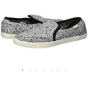 Sanuk Pair O Dice Knit Shoes   Size 8.5